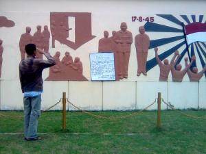 tugu monumen perjuangan rengasdengklok