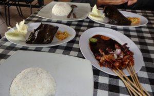 Bebek Songkem dan Sate Madura