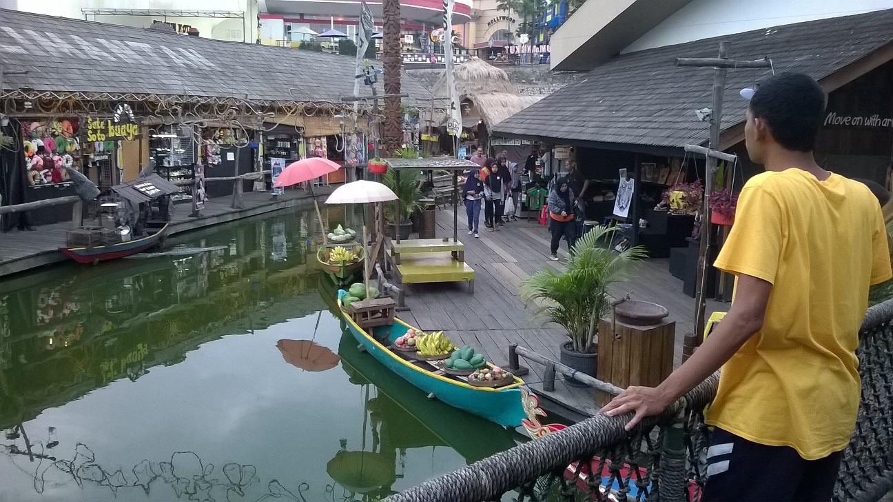 Pasar Apung Museum Angkut